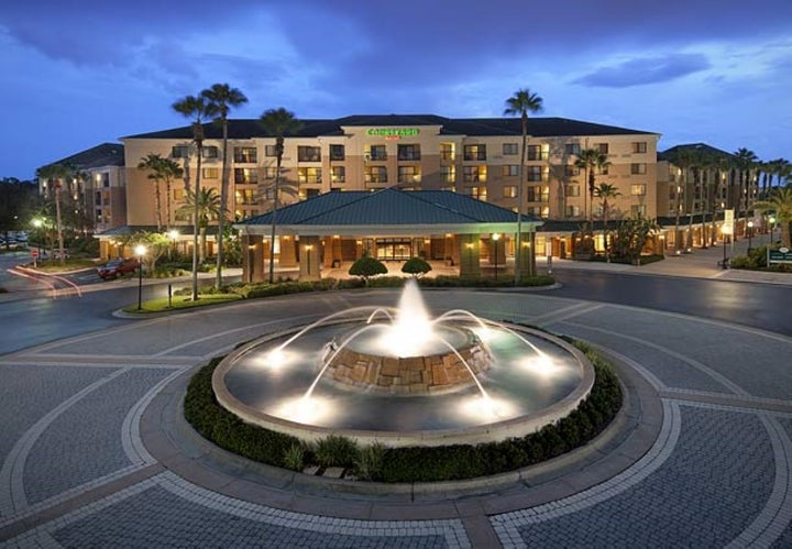 Courtyard Orlando Lake Buena Vista Marriott Villag Image 2