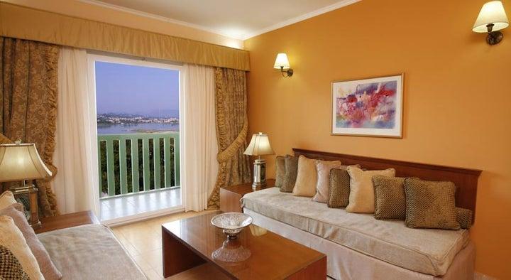 Ariti Grand Hotel Image 2