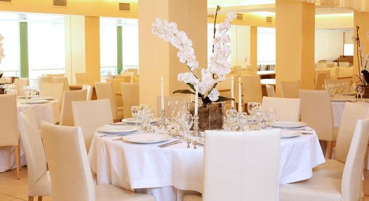 Ariti Grand Hotel Image 9