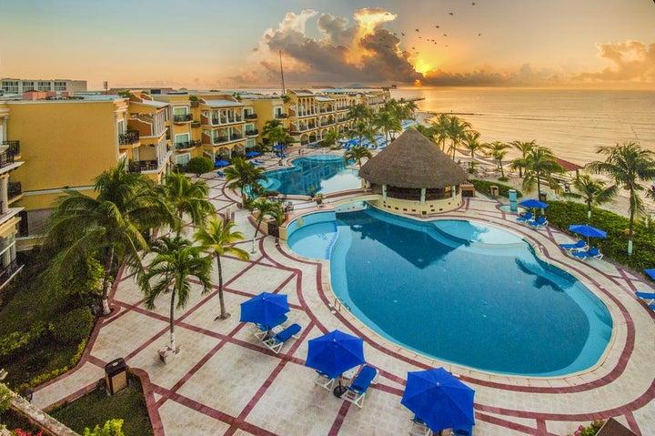 Panama Jack Resorts Gran Porto in Playa del Carmen, Mexico