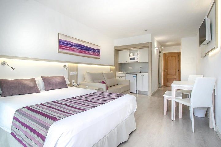 Ola Apartments Bouganvillia Image 4