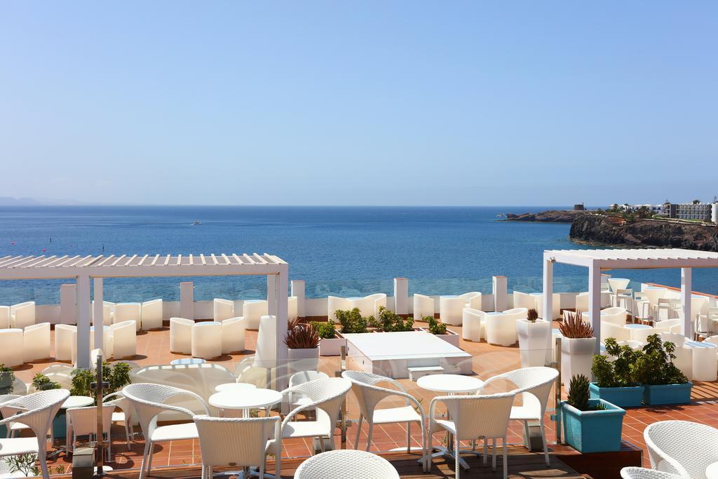 Sandos Papagayo Beach Resort in Playa Blanca