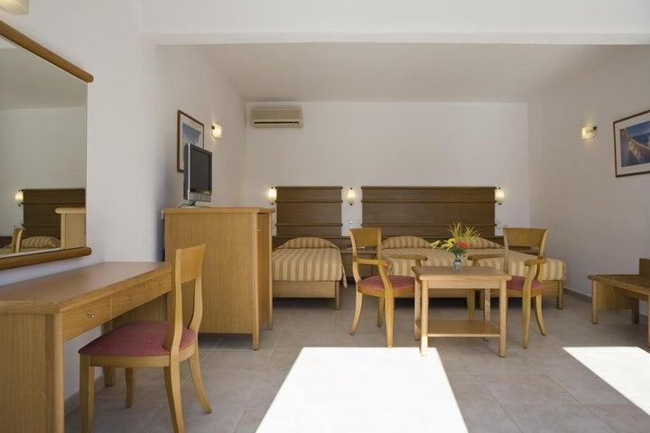 Yiannaki Hotel Image 13
