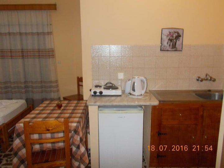 Yiannis the Beekeeper Apartments Image 15