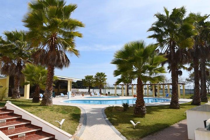 Praia da Lota Resort - Apartments Image 11