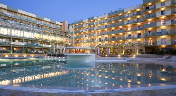 Ariti Grand Hotel Image 0