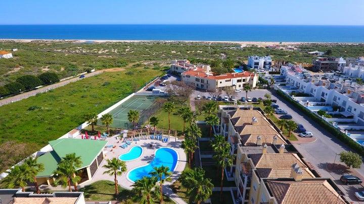Praia da Lota Resort - Apartments Image 1