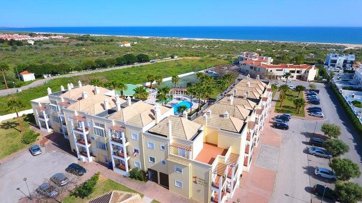 Praia da Lota Resort - Apartments Image 0