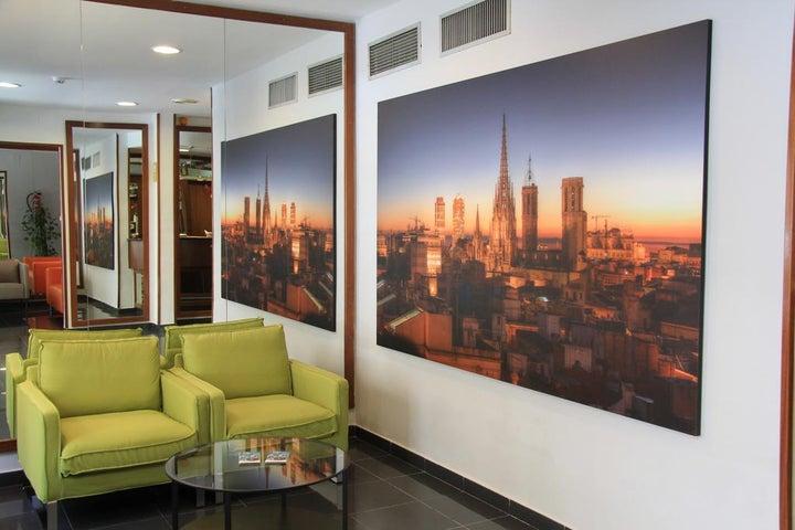 Htop BCN City Image 0