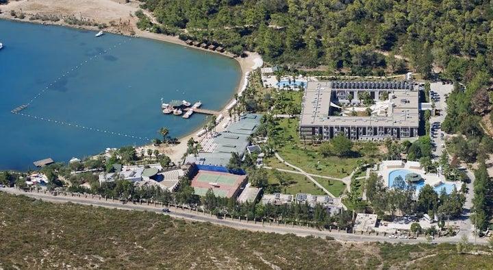 Crystal Green Bay Image 36