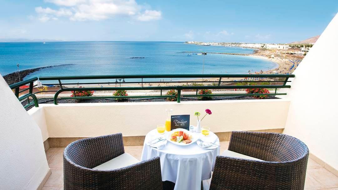 Hesperia Playa Dorada Hotel in Playa Blanca