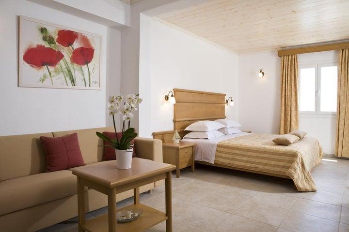 Yiannaki Hotel Image 3