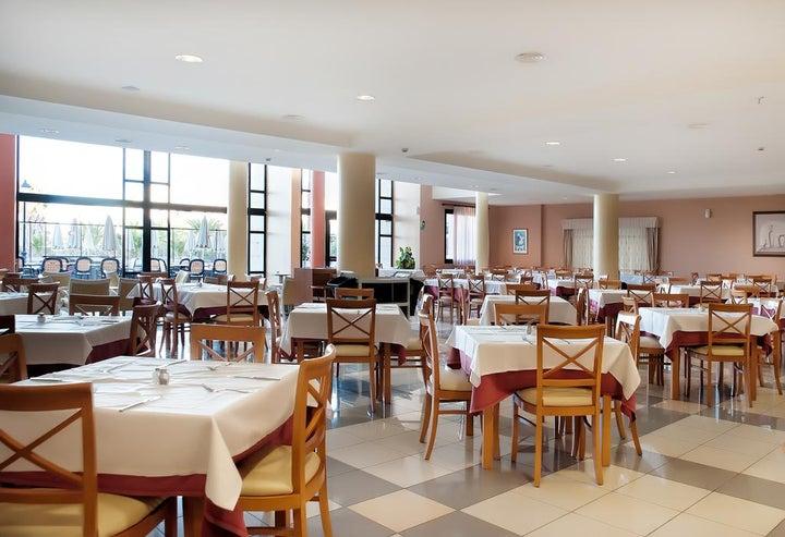 Grand Muthu Golf Plaza Hotel Image 11