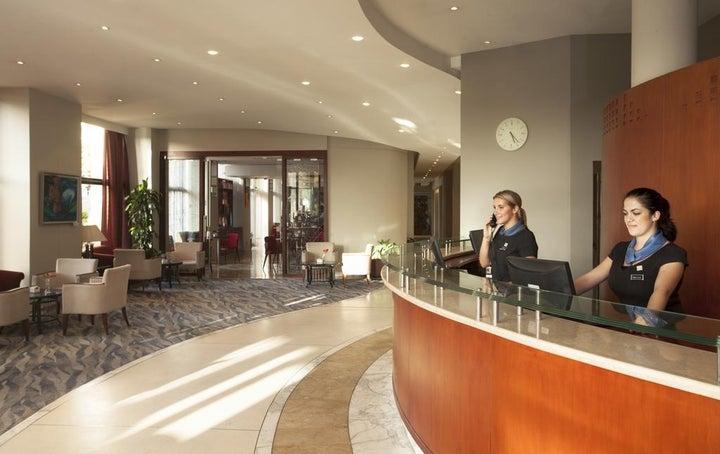 Marina Hotel Corinthia Beach Resort Image 16