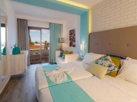 smartline Kyknos Beach Hotel & Bungalows Image 12