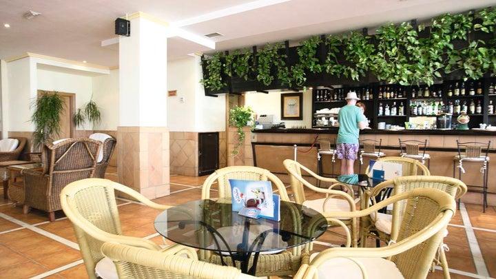 Las Arenas Hotel Image 3