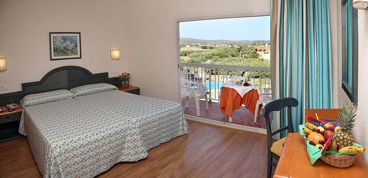 Invisa Es Pla Hotel Image 28