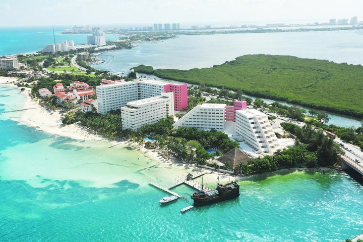 Oasis Palm Hotel in Cancun, Mexico