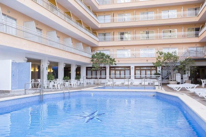 Pinero Bahia De Palma Hotel in El Arenal, Majorca, Balearic Islands