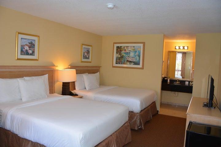 Baymont Inn and Suites Orlando Universal Image 2