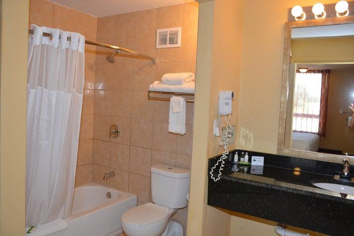 Baymont Inn and Suites Orlando Universal Image 6