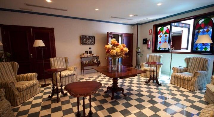 Reveron Plaza Hotel Image 22