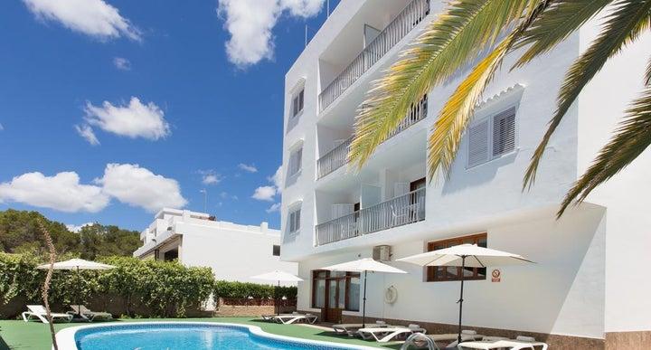 Sofia in es cana ibiza holidays from 292pp loveholidays - Apartamentos sofia playa ibiza ...