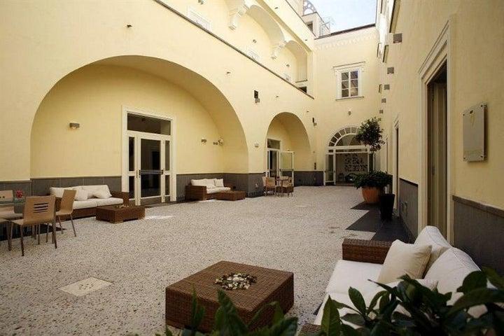 Seven Hostel Image 0
