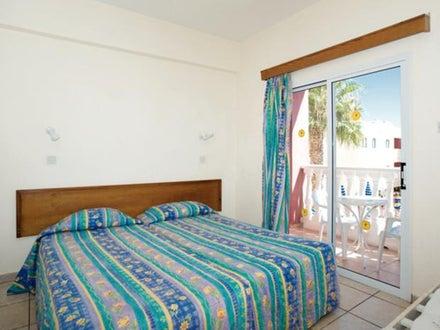 Tsokkos Holiday Apartments Image 10