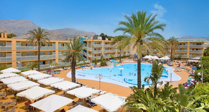 Terralta aparthotel in benidorm spain holidays from 144pp loveholidays for Swimming pool repairs costa blanca