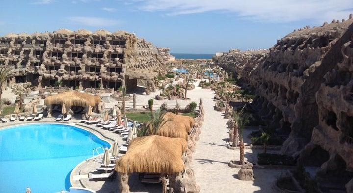 Caves Beach Resort Hurghada Image 10