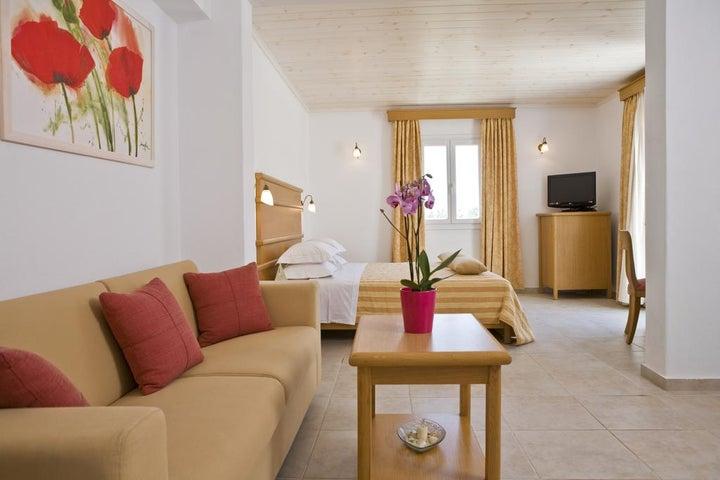 Yiannaki Hotel Image 6