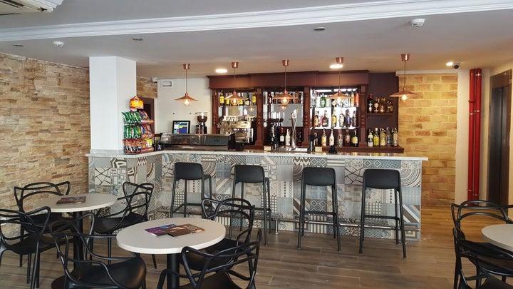 Queens Hotel Image 9