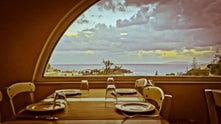 Sunday Life Hotel & Restaurant