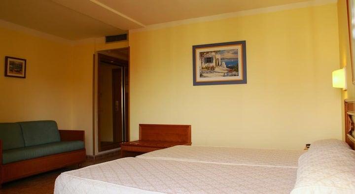 Palm Beach Hotel Image 8