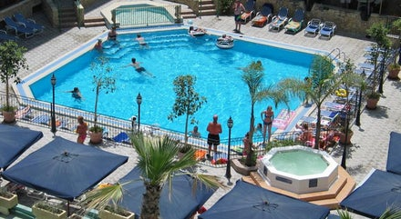 Couples Holidays to Malta Next Weekend