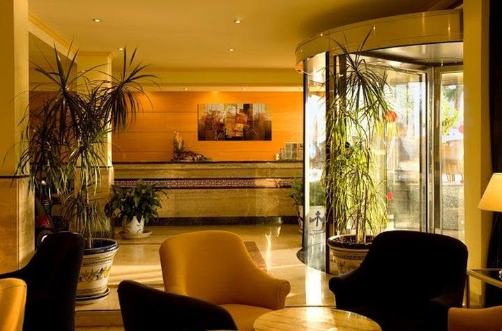 Las Arenas Hotel Image 32