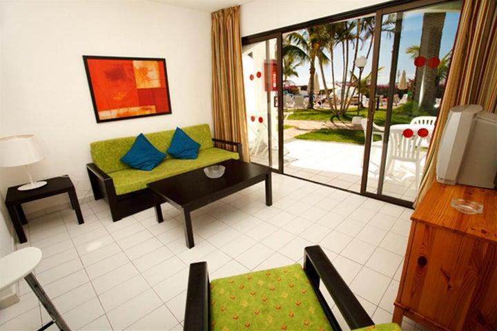 Las Buganvillas Apartments Image 3