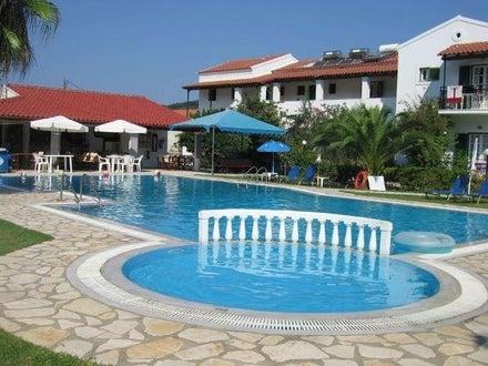 Takis & Efi Apartments in Sidari, Corfu, Greek Islands