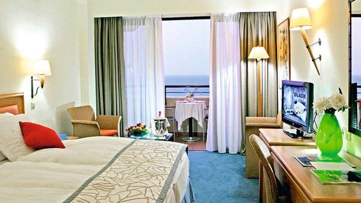 Amathus Beach Hotel Image 6