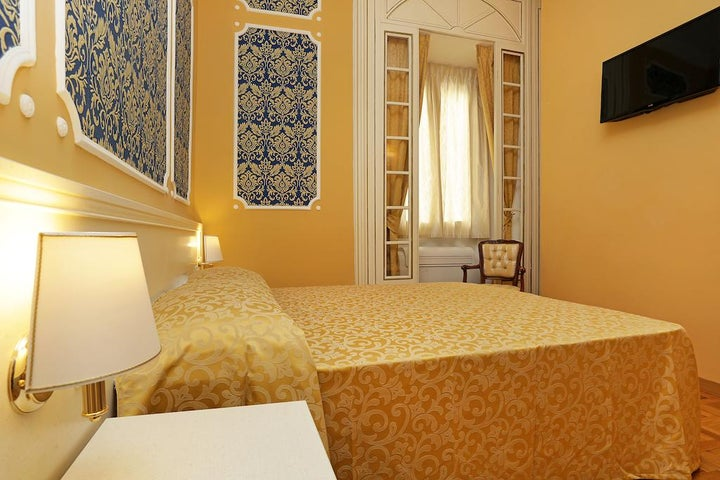 DG Prestige Room in Rome, Italy