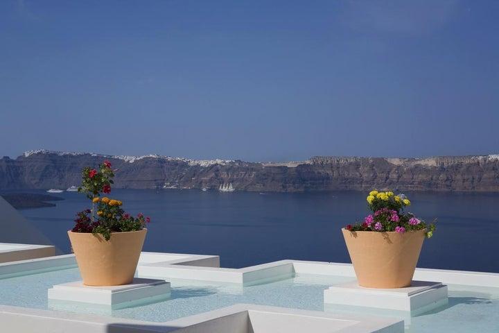 Maison Des Lys Luxury Suites in Akrotiri, Santorini, Greek Islands