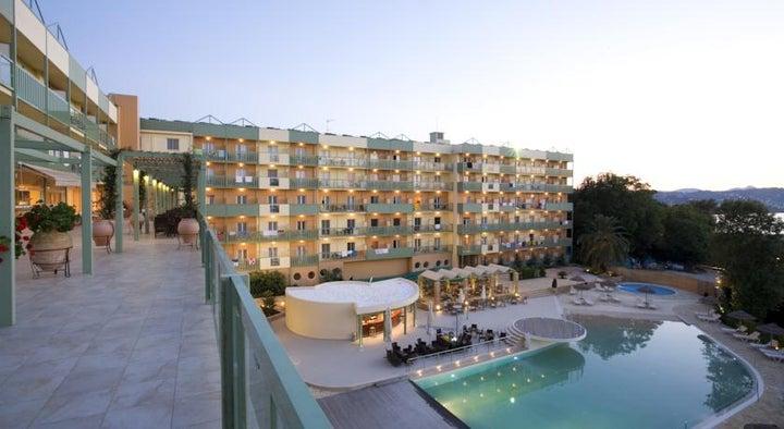 Ariti Grand Hotel Image 17
