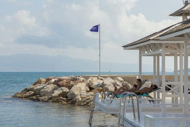 La Blanche Resort & Spa Image 11