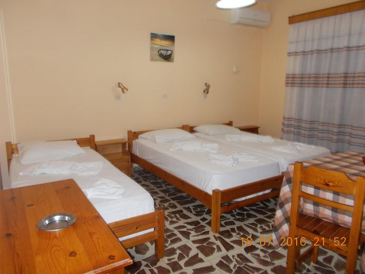 Yiannis the Beekeeper Apartments Image 14