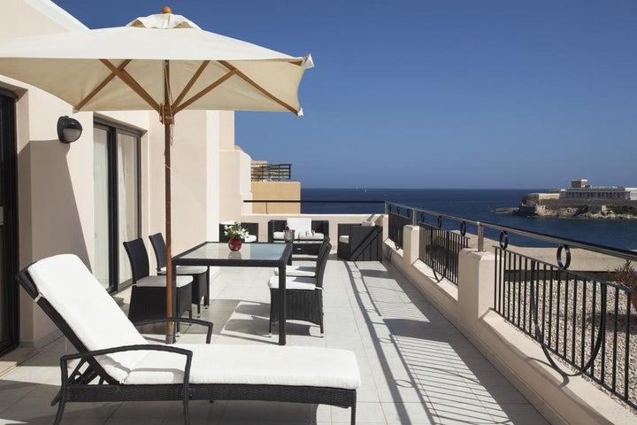 Marina Hotel Corinthia Beach Resort Image 38