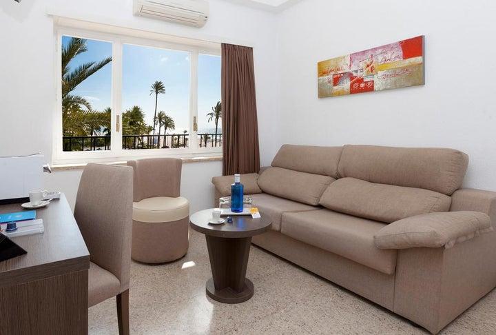 Gran Hotel Delfin Image 7