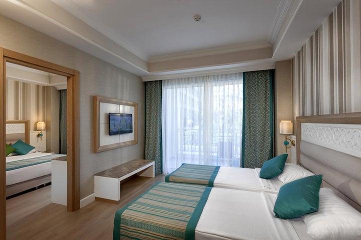 Karmir Resort And Spa Image 6