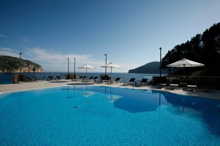 Bahia Camp De Mar Suites Cabau Aparthotel in Camp de Mar, Majorca, Balearic Islands