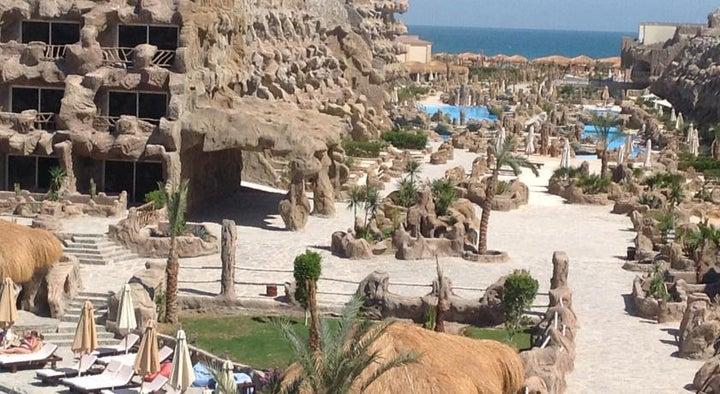 Caves Beach Resort Hurghada Image 9